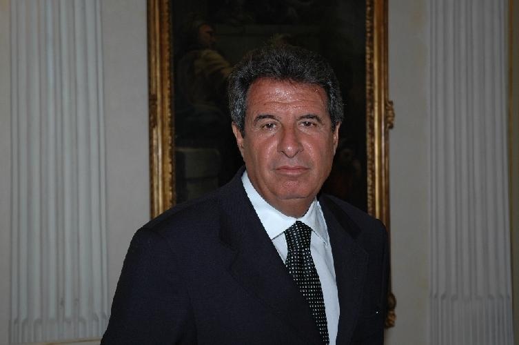 https://www.ragusanews.com//immagini_articoli/09-12-2013/sicilia-esami-per-manager-asp-bocciato-aliquo-promossi-caruso-iacono-granata-500.jpg