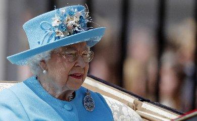 https://www.ragusanews.com//immagini_articoli/09-12-2018/bimba-anni-scrive-regina-elisabetta-elisabetta-risponde-240.jpg