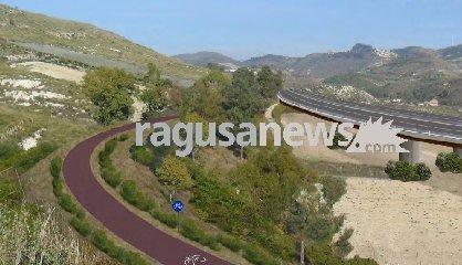 https://www.ragusanews.com//immagini_articoli/09-12-2019/autostrada-catania-ragusa-siamo-a-un-passo-240.jpg