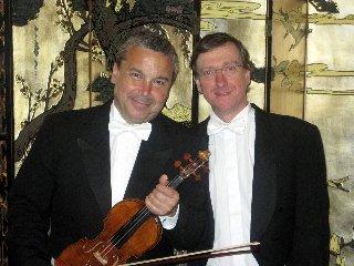 https://www.ragusanews.com//immagini_articoli/09-12-2019/il-violinista-glauco-bertagnin-e-il-pianista-simone-pagani-a-ragusa-240.jpg