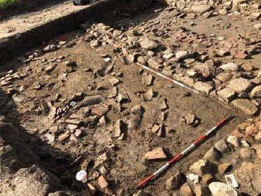 https://www.ragusanews.com//immagini_articoli/09-12-2020/1607517963-archeologia-scoperto-in-sicilia-insediamento-romano-foto-1-280.jpg