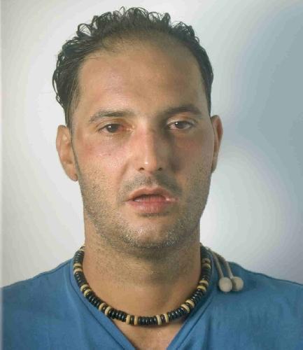 http://www.ragusanews.com//immagini_articoli/10-01-2014/rapina-arrestato-salvatore-delacroce-500.jpg