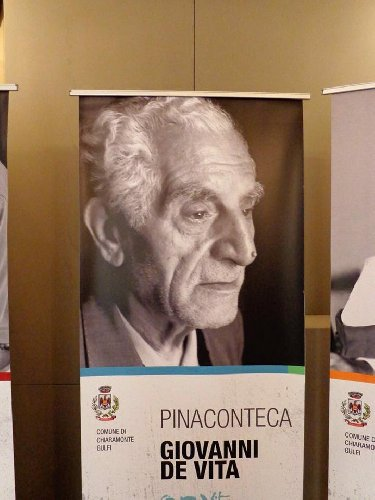https://www.ragusanews.com//immagini_articoli/10-01-2018/chiaramonte-gigantografia-pinacoteca-divenne-pinaconteca-500.jpg