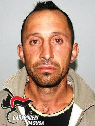 http://www.ragusanews.com//immagini_articoli/10-01-2018/ragusa-aveva-violentato-donna-preso-rumeno-latitante-inghilterra-500.jpg