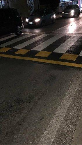 https://www.ragusanews.com//immagini_articoli/10-01-2018/rallentatori-stradali-polemiche-modica-500.jpg
