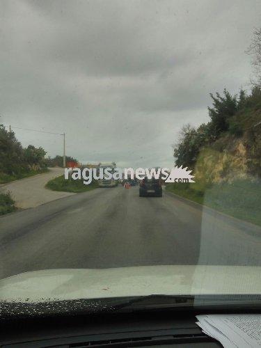 http://www.ragusanews.com//immagini_articoli/10-01-2018/scontro-modicaragusa-traffico-rallentato-500.jpg