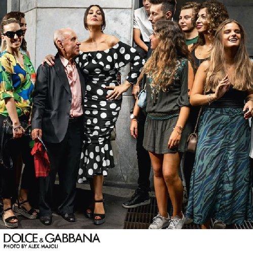 https://www.ragusanews.com//immagini_articoli/10-01-2019/alex-majoli-fotografa-monica-bellucci-dolce-gabbana-500.jpg