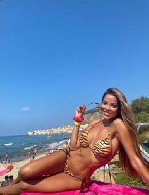 https://www.ragusanews.com//immagini_articoli/10-01-2021/1610311215-miss-mondo-ecco-viviana-bellezza-nissena-rappresentera-italia-3-280.jpg