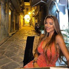 https://www.ragusanews.com//immagini_articoli/10-01-2021/miss-mondo-ecco-viviana-bellezza-nissena-rappresentera-italia-280.jpg