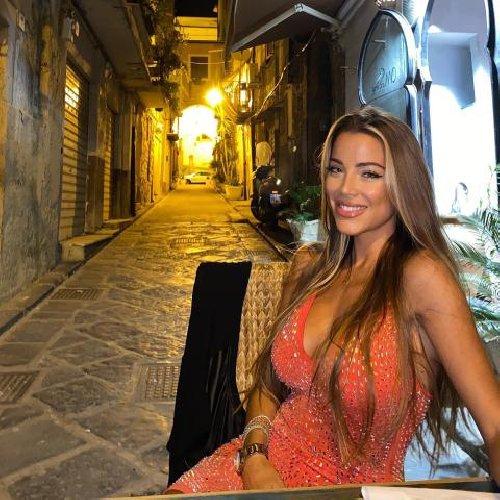https://www.ragusanews.com//immagini_articoli/10-01-2021/miss-mondo-ecco-viviana-bellezza-nissena-rappresentera-italia-500.jpg