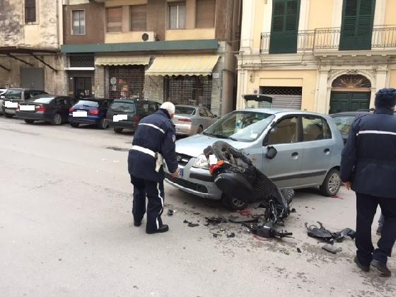 http://www.ragusanews.com//immagini_articoli/10-02-2017/auto-moto-ferito-14enne-420.jpg