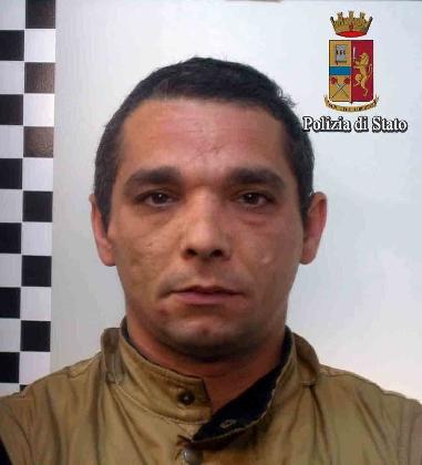 https://www.ragusanews.com//immagini_articoli/10-02-2017/domiciliari-carcere-arrestati-gastrucci-vasile-420.jpg