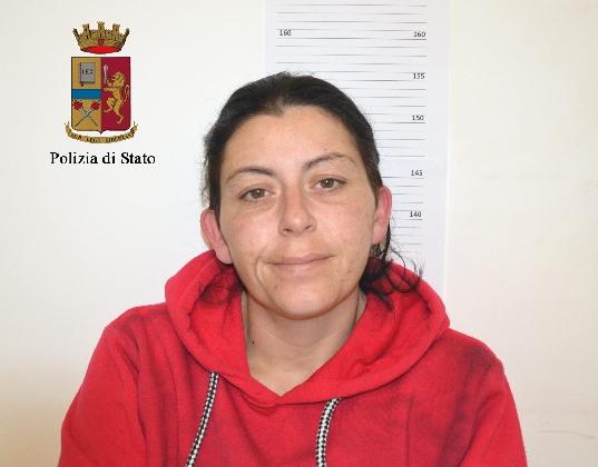 http://www.ragusanews.com//immagini_articoli/10-02-2017/droga-arresti-ragusa-ispica-420.jpg
