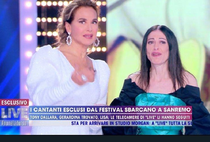 https://www.ragusanews.com//immagini_articoli/10-02-2020/gerardina-trovato-da-barbara-d-urso-mamma-voglio-amore-500.jpg