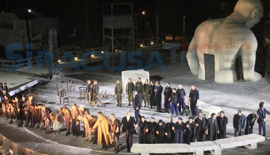 https://www.ragusanews.com//immagini_articoli/10-02-2020/siracusa-tragedie-greche-a-rischio-2020-500.jpg