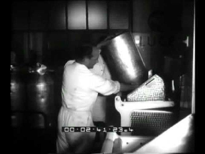 https://www.ragusanews.com//immagini_articoli/10-02-2021/caciocavallo-e-pecorino-ragusano-nel-cinegiornale-nel-1962-500.jpg