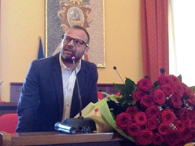 https://www.ragusanews.com//immagini_articoli/10-03-2014/i-grillini-troppe-consulenze-per-il-sindaco-spataro-500.jpg