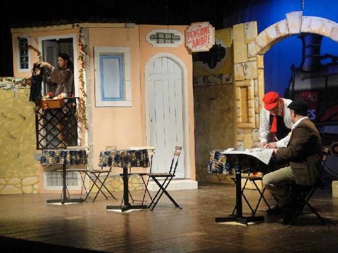 http://www.ragusanews.com//immagini_articoli/10-03-2014/piace-affari-fattu-in-teatro-a-ragusa-500.jpg