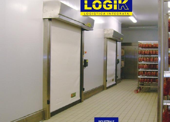 https://www.ragusanews.com//immagini_articoli/10-03-2017/1489180396-capannoni-porte-industriali-rampe-portoni-libro-logik-1-500.jpg