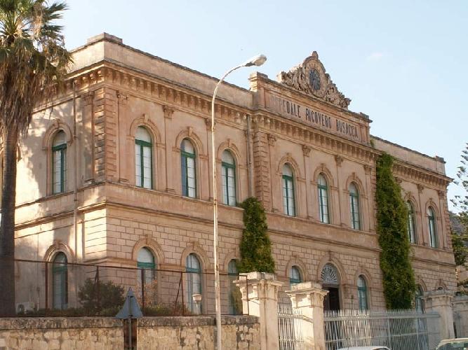 https://www.ragusanews.com//immagini_articoli/10-04-2012/armando-cannata-il-busacca-abbandonato-500.jpg