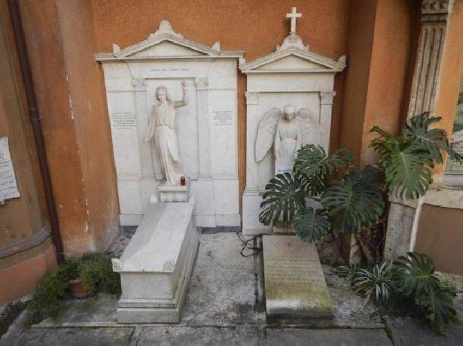 https://www.ragusanews.com//immagini_articoli/10-04-2019/emanuela-orlandi-vaticano-avvia-indagini-su-cimitero-teutonico-500.jpg