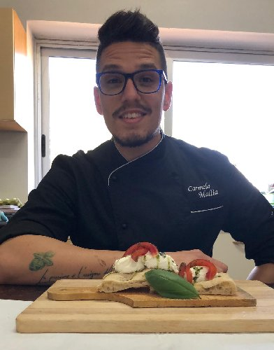 https://www.ragusanews.com//immagini_articoli/10-04-2019/i-migliori-pizzaiuoli-d-italia-a-roma-c-e-il-ragusano-carmelo-mallia-500.jpg