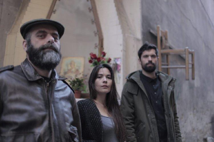 https://www.ragusanews.com//immagini_articoli/10-04-2019/il-trio-alegiani-messina-gola-domenica-al-chiostro-grazie-500.jpg