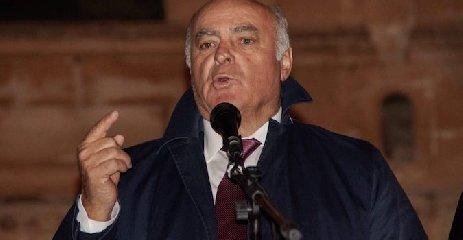 https://www.ragusanews.com//immagini_articoli/10-04-2019/incito-a-linciare-lex-sindaco-di-pachino-pippo-gennuso-a-giudizio-240.jpg