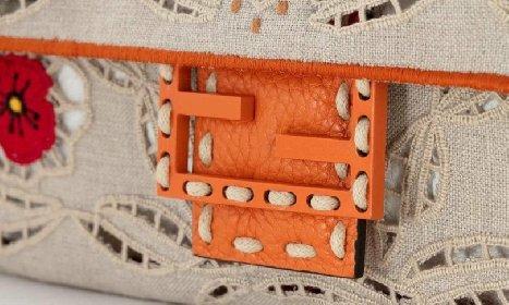 https://www.ragusanews.com//immagini_articoli/10-04-2021/fendi-i-ricami-delle-donne-lucane-sulle-borse-simbolo-della-casa-di-moda-280.jpg