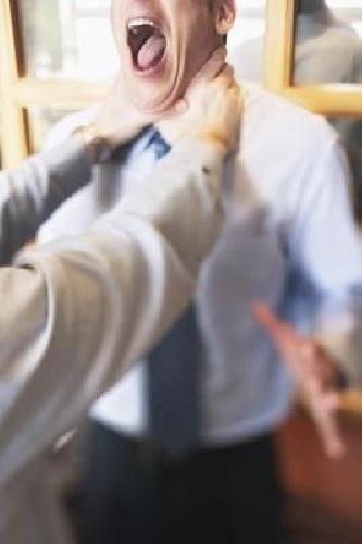 http://www.ragusanews.com//immagini_articoli/10-05-2014/ispica-docente-picchiata-a-scuola-500.jpg