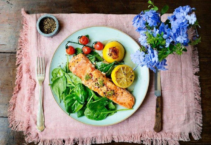 https://www.ragusanews.com//immagini_articoli/10-05-2021/dimagrire-con-la-dieta-funzionale-di-sara-farnetti-ecco-come-funziona-500.jpg