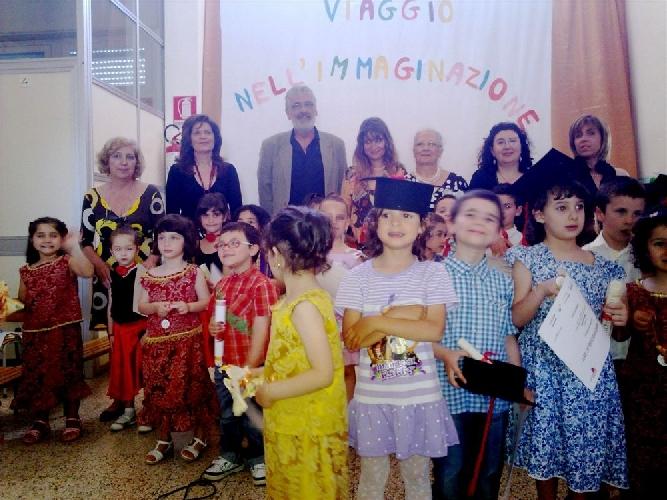 https://www.ragusanews.com//immagini_articoli/10-06-2011/il-ministro-brunetta-premia-la-scuola-vittorini-di-scicli-500.jpg