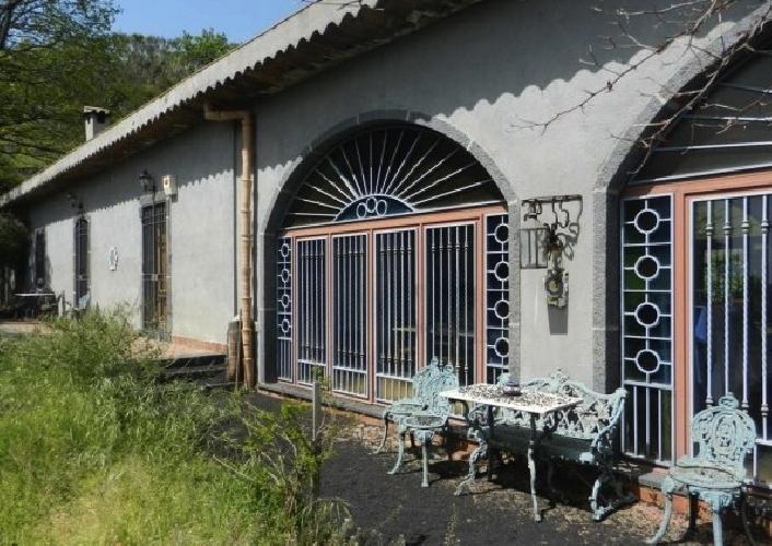 https://www.ragusanews.com//immagini_articoli/10-06-2014/si-vende-la-casa-di-lucio-dalla-a-700-mila-euro-accattatavilla-500.jpg