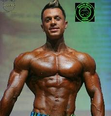 http://www.ragusanews.com//immagini_articoli/10-06-2015/body-building-bene-franco-pagliari-240.jpg