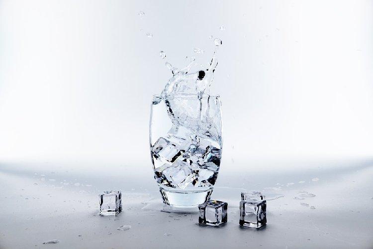 https://www.ragusanews.com//immagini_articoli/10-06-2019/dieta-ghiaccio-per-perdere-peso-ecco-funziona-500.jpg