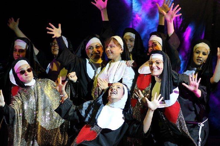 https://www.ragusanews.com//immagini_articoli/10-06-2019/due-musical-al-teatro-garibaldi-di-modica-500.jpg