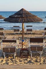https://www.ragusanews.com//immagini_articoli/10-06-2020/1591797621-porto-ulisse-beach-riapre-in-bellezza-3-240.jpg