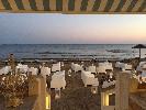 https://www.ragusanews.com//immagini_articoli/10-06-2020/porto-ulisse-beach-riapre-in-bellezza-100.jpg