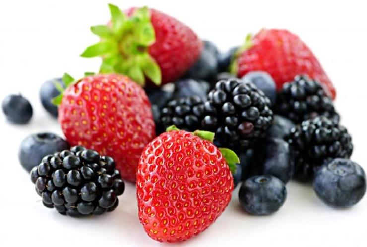 https://www.ragusanews.com//immagini_articoli/10-06-2021/dieta-e-frutta-mangiarla-o-evitarla-quando-si-e-a-dieta-500.jpg
