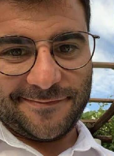 https://www.ragusanews.com//immagini_articoli/10-06-2021/sicilia-auto-contro-moto-muore-nicolo-acquisto-32-anni-500.jpg