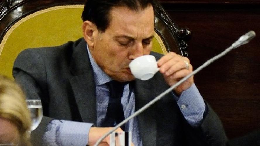 https://www.ragusanews.com//immagini_articoli/10-07-2014/crocetta-dice-no-alla-deindustrializzazione-della-sicilia-500.jpg