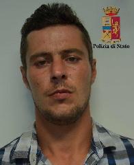 http://www.ragusanews.com//immagini_articoli/10-07-2017/arrestati-rumeni-furto-dauto-240.jpg