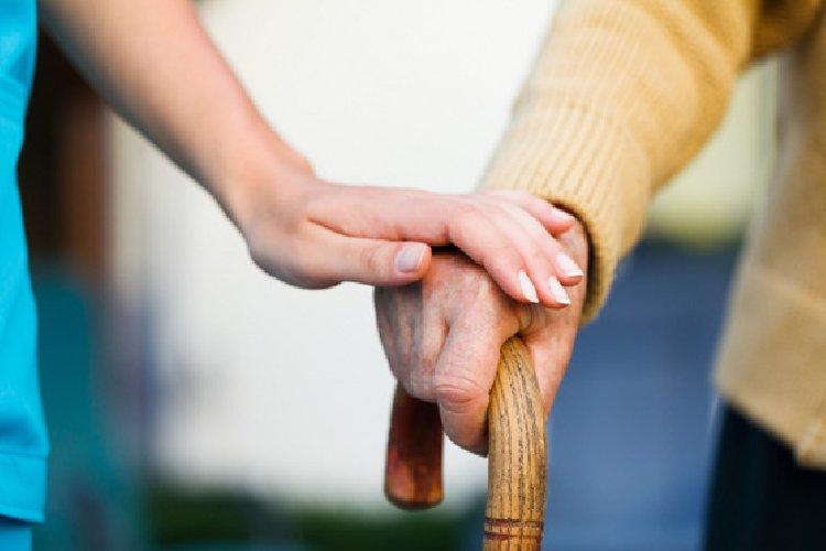 https://www.ragusanews.com//immagini_articoli/10-07-2018/diaconia-valdese-dismette-assistenza-anziani-occuparsi-migranti-500.jpg