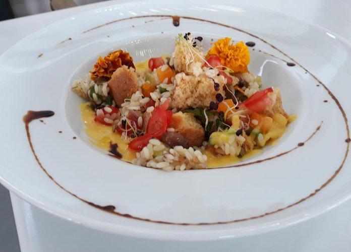 https://www.ragusanews.com//immagini_articoli/10-07-2018/insalata-riso-ricetta-giovanni-romano-500.jpg