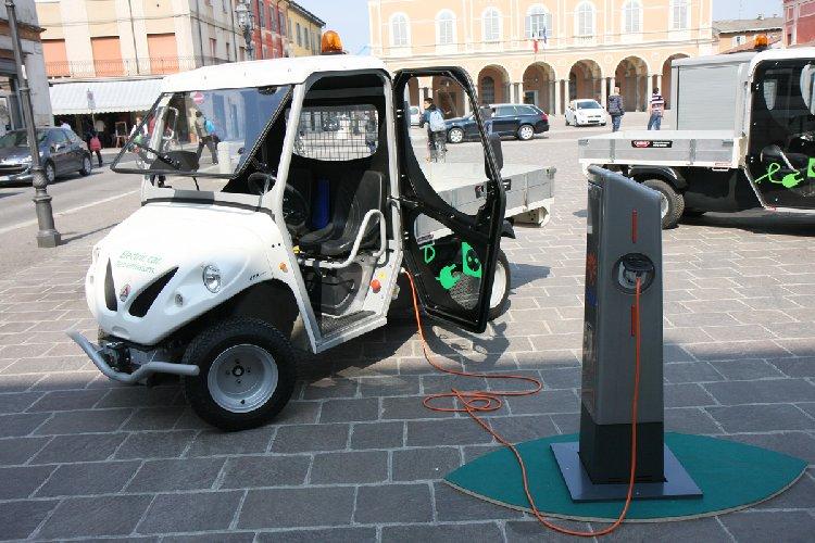 https://www.ragusanews.com//immagini_articoli/10-07-2018/ragusa-luglio-ricarica-veicoli-elettrici-carta-prepagata-500.jpg