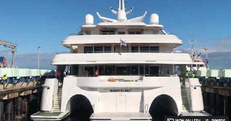 https://www.ragusanews.com//immagini_articoli/10-07-2019/1562746545-yacht-e-arrivato-il-white-rabbit-lungo-86-metri-1-240.png
