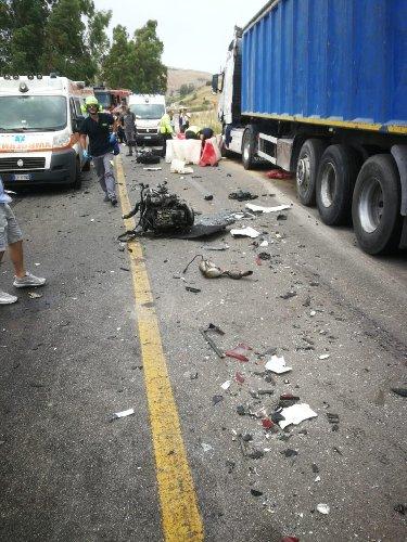 https://www.ragusanews.com//immagini_articoli/10-07-2019/valerio-patti-22-anni-morto-in-un-incidente-palermo-agrigento-500.jpg