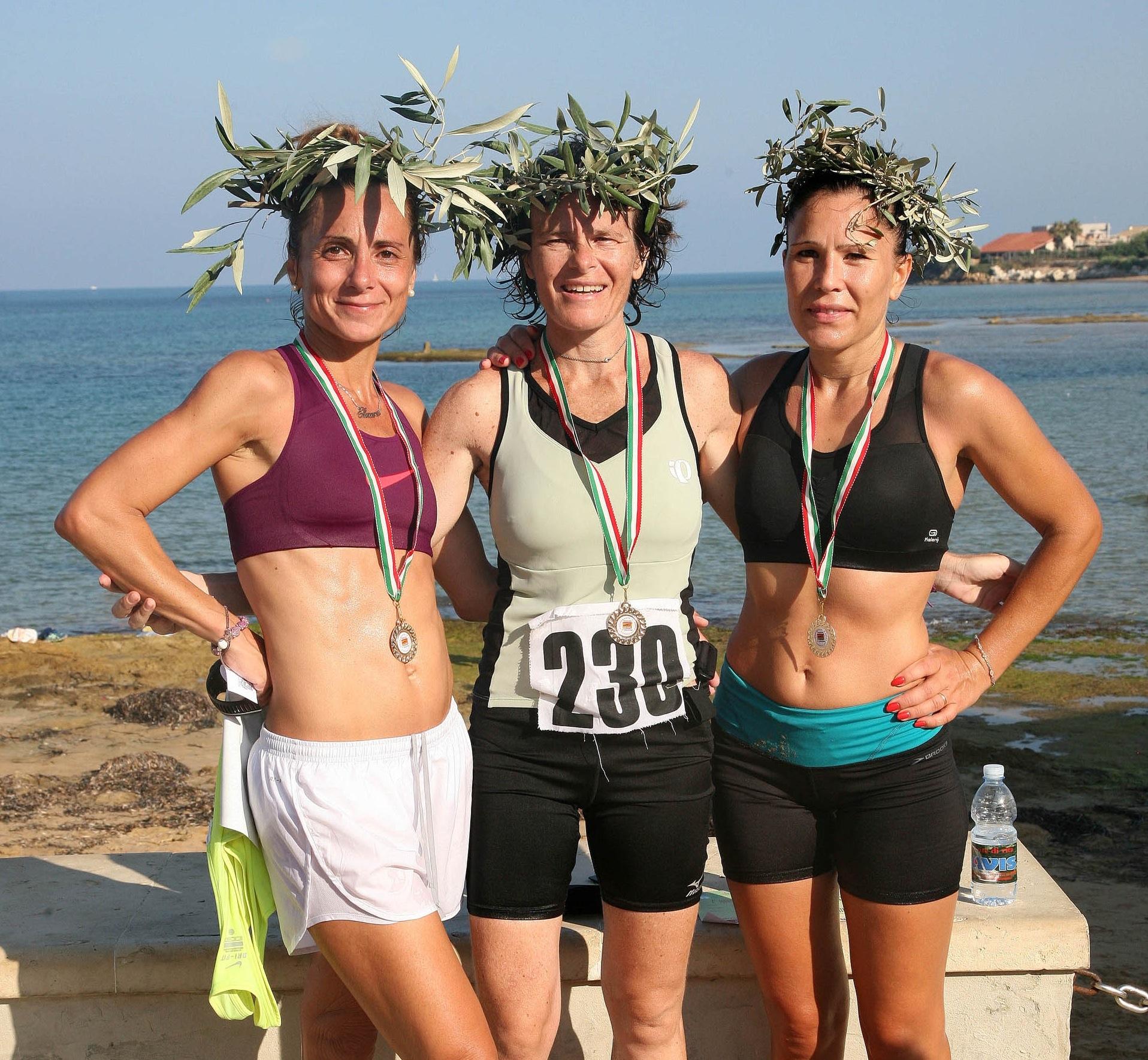 https://www.ragusanews.com//immagini_articoli/10-08-2014/1407689770-2-al-via-la-maratona-alla-filippide.jpg