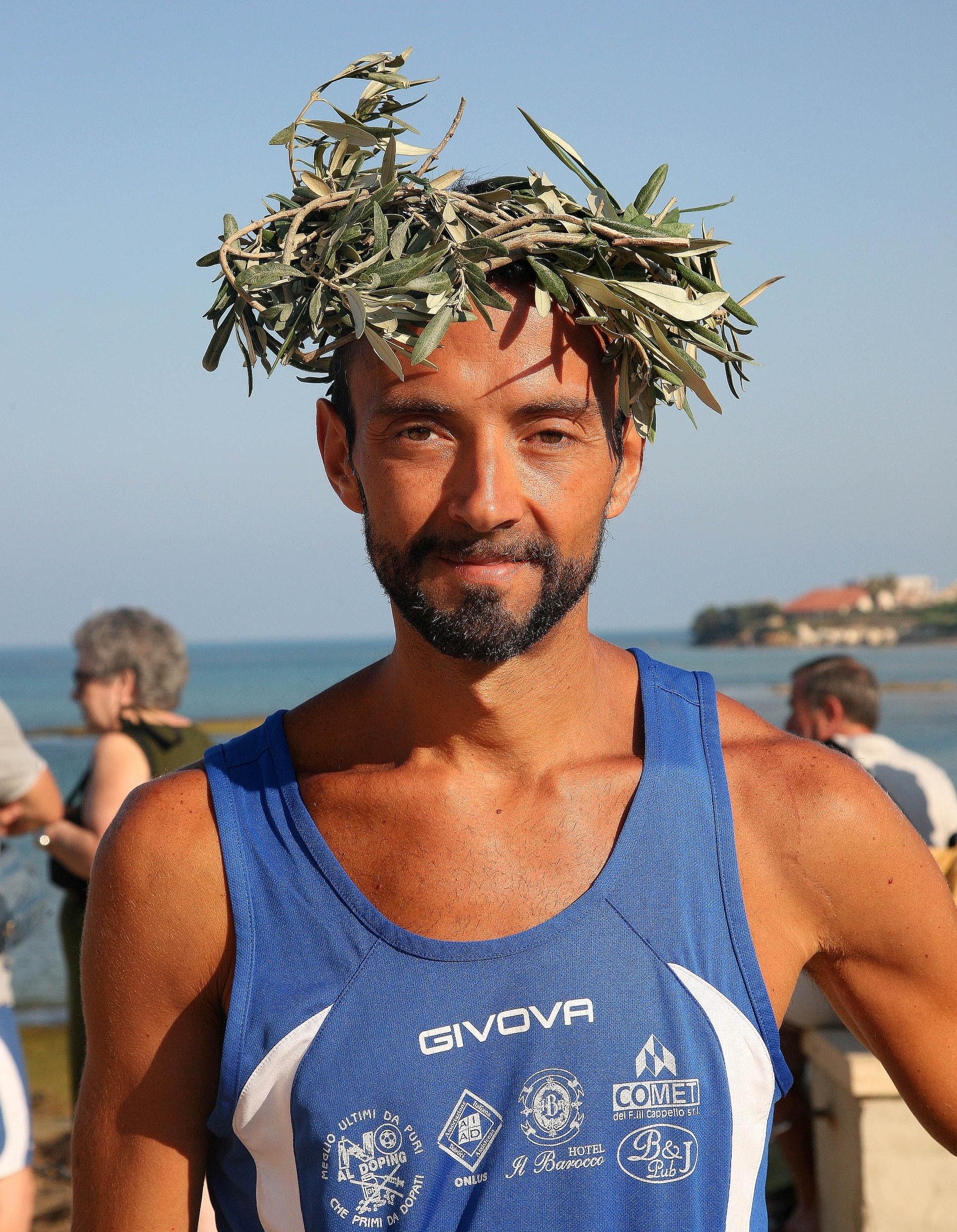https://www.ragusanews.com//immagini_articoli/10-08-2014/1407690067-1-al-via-la-maratona-alla-filippide.jpg