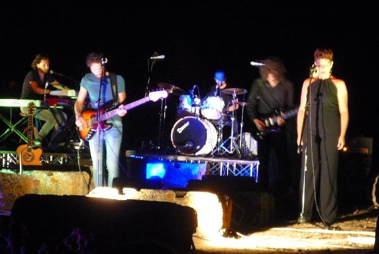 http://www.ragusanews.com//immagini_articoli/10-08-2015/i-pink-floyd-a-kamarina-il-rock-sul-promontorio-piu-bello-di-sicilia-500.jpg